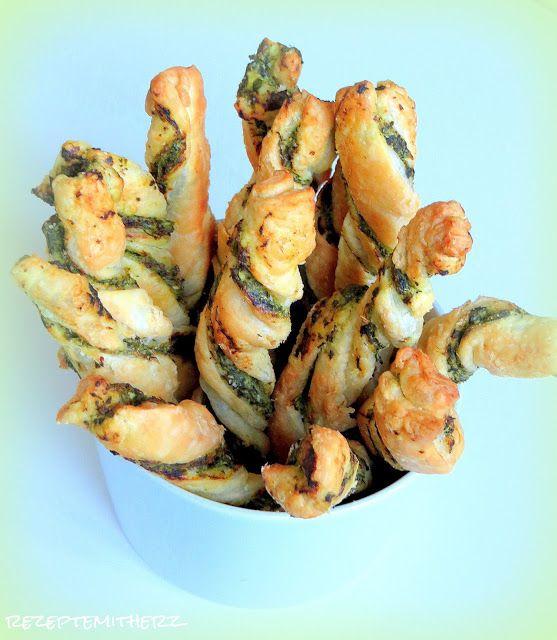 Rezepte mit Herz   ♥: Blätterteigstangen mit Spinat
