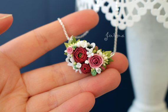 Fiore collana collana con fiore composizione da argilla di Jurma