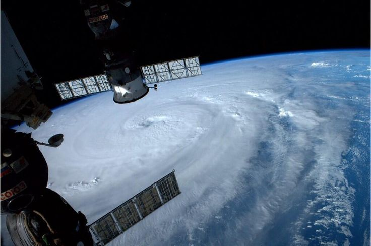 宇宙から見た台風8号がヤバい(画像あり) / 沖縄・宮古島に暴風・波浪特別警報 最大級の警報発令「伊勢湾台風」と同じレベルの規模
