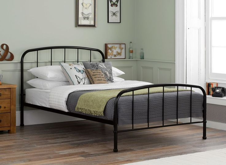 Simplistic yet elegant, this metal bed frame will add a modern touch to any bedroom. With a sleek black finish, the Westbrook is the perfect bed for a range of decors and can be dressed to suit your personal style.