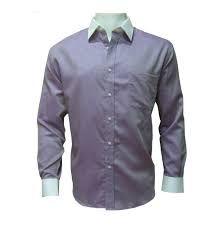 camisa: prenda de vestir interior de lienzo de algodón, abrochada por delante para la parte superior del cuerpo, que se abrocha por delante y suele llevar cuello y puños