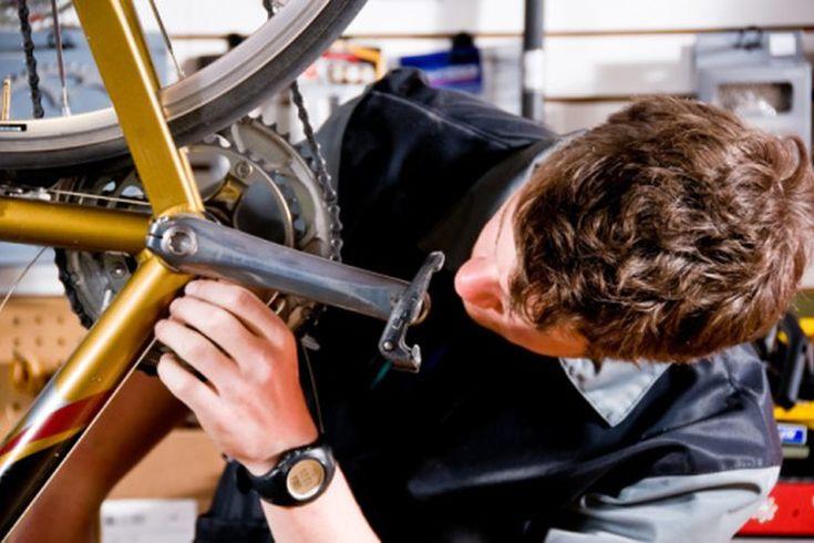 Tamaños de poste para asientos de bicicleta . Los tipos más comunes de postes para asiento de bicicleta son de acero o de aluminio con un eje cónico en un extremo o uno que combina el poste y la abrazadera de la montura en una unidad. Una amplia variedad de tamaños están disponibles y es importante ...