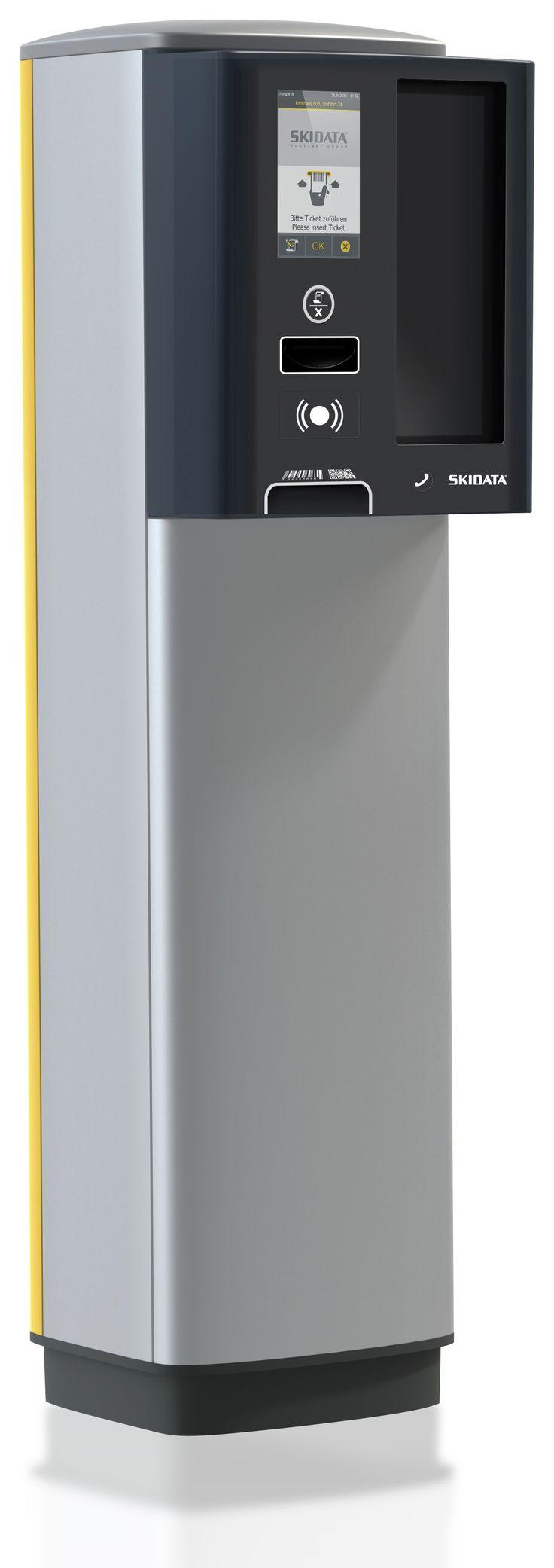 SKIDATA Power.Gate. Jegy- és bérletkezelésre alkalmas be- és kijárati terminál, színes grafikus kijelzővel.
