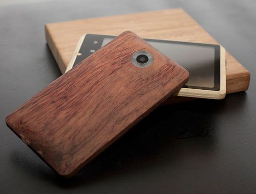 The young creative minds at ADzero have been feverishly working to create the next high-end smartphone and it looks like they've done it. The Bamboo Smartphone sets itself apart from the rest by being backed in a lightweight bamboo.Bamboo Phones, Phones Cases, Adzero Bamboo, Android Phones, Products, Bamboo Android, Mobiles Phones, Design, Bamboo Smartphone