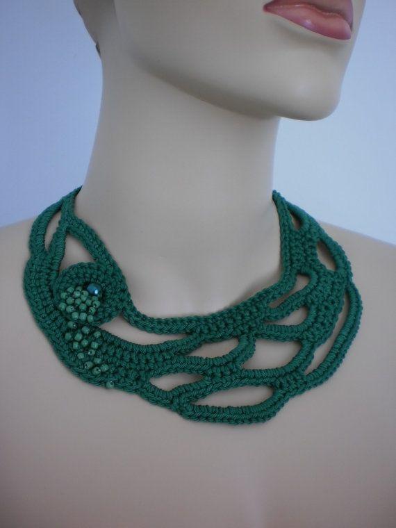 Joyería verde Freeform Crochet collar del ganchillo por levintovich