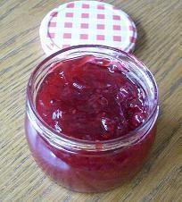 Johannisbeermarmelade mit rote Johannisbeeren und Gelierzucker 2:1 - Rezept mit Bild - kochbar.de