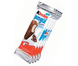 The rectangular format allows transport and using anywhere at any time. Indeed, it is easy to eat with one hand without a knife or a fork, and it's usually consumed as a snack by children or during snack time. The Kinder Pingui packaging is light and doesn't take up a lot of space because it follows perfectly the shape of the product. There is a tab which enables an easy opening. The packaging can be thrown easy or put away in a pocket or a bag.