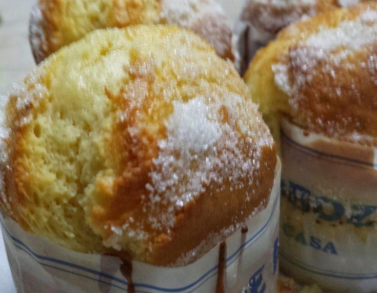 Bolo de arroz Ingredientes: 4 ovos 150g açúcar 150g leite 30 margarina 150 g Farinha sem fermento 100 g Farinha de arroz 15g fermento Royal ...