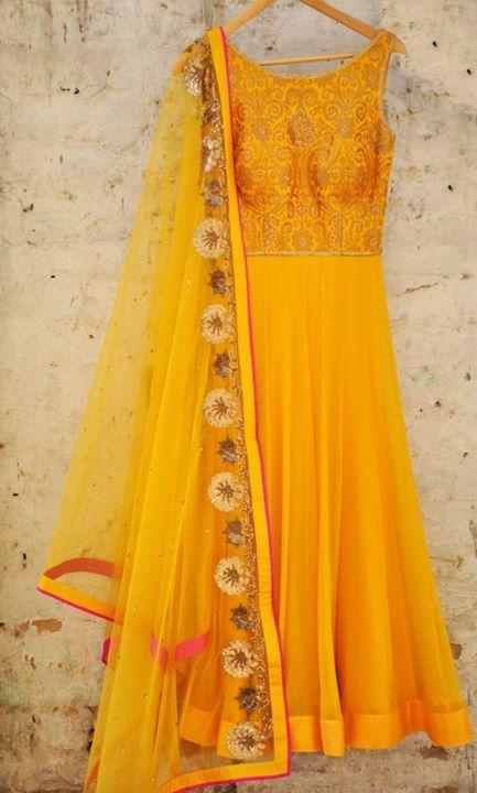 Amrita Thakur Info & Review | Bridal / Trousseau Designers in Delhi | Wedmegood