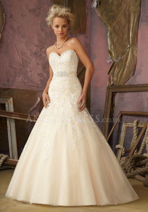 Tulle A line Sweetheart Natural Waist Floor Length Sleeveless Wedding Dress