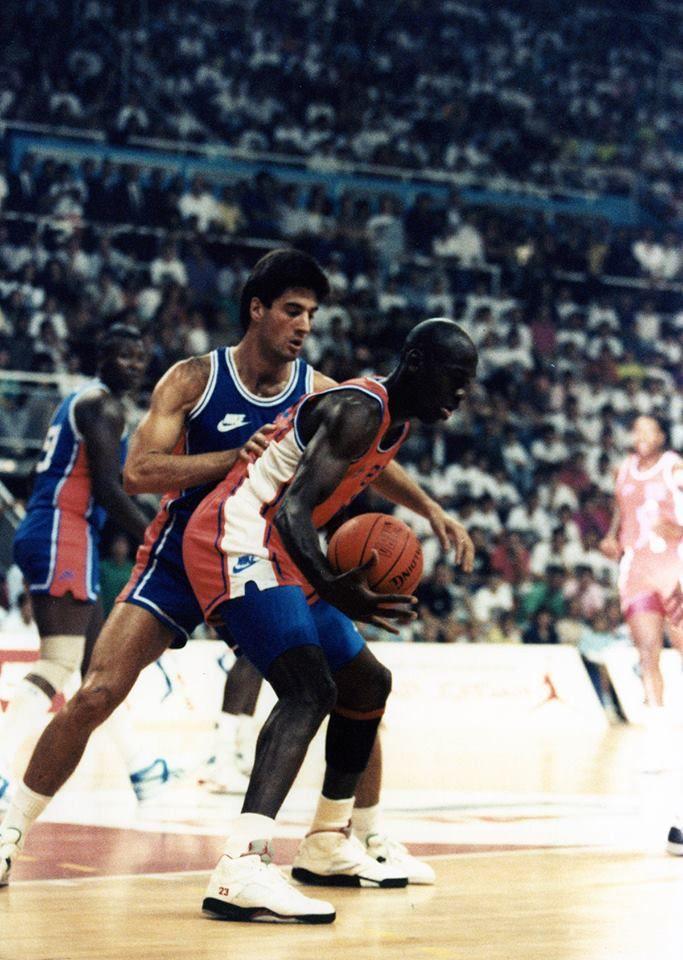 Jordi Villacampa fue el encargado de defender a Jordan y lo tuvo que sufrir en sus carnes.
