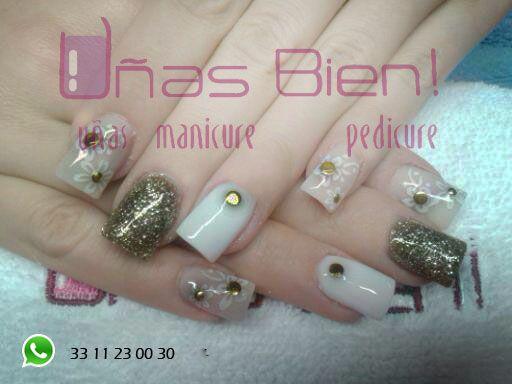 golde shiny nails