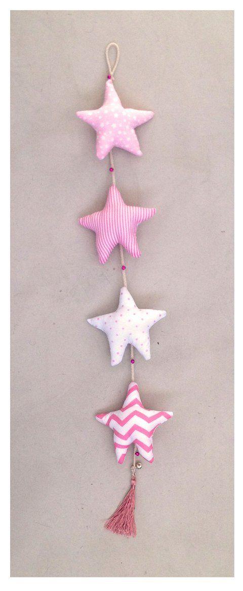 móvil estrellas rosa y blanco