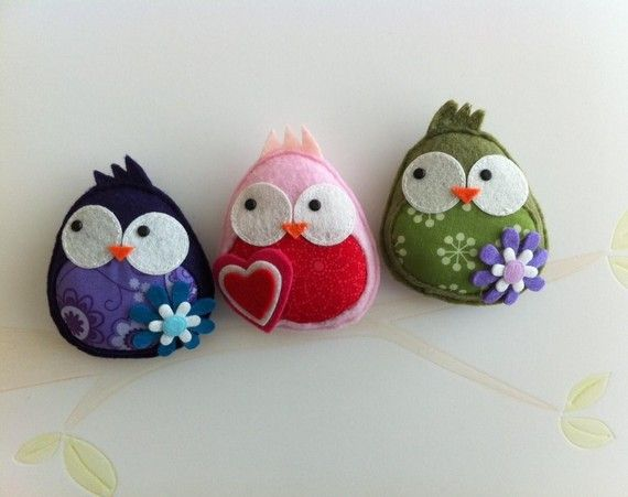 Give a SWEET TWEET, The original owl broochBaby Products, Owls Brooches, Felt Diy, Children Toys, Baby Toys, Felt Birds, Felt Owls, The Originals, Crafts