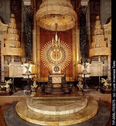 The throne hall of the Chakri Mahaprasat, Royal Palace ...