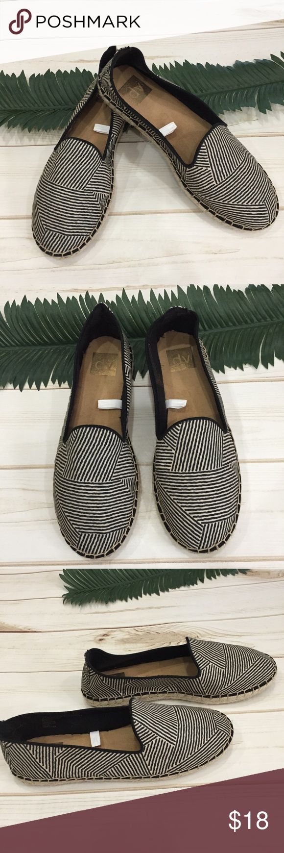 🌹DV Super cute stunning espadrille slip one! 🌹DV Super cute stunning espadrille slip one! These are all day comfort espadrilles work black and cream line BOHO design. Rope bottoms for added comfort. Preloved in excellent condition. Worn once. No obvious wear. DV by Dolce Vita Shoes Espadrilles