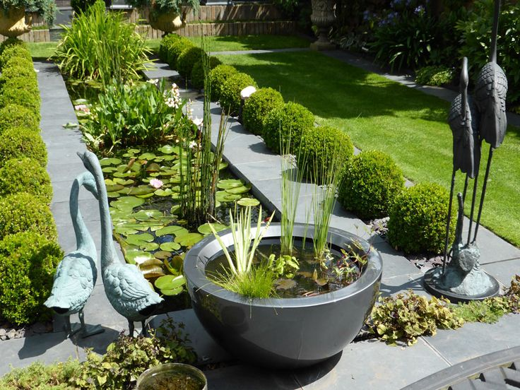 71 best container ponds for water gardening in small spaces images on pinterest water gardens - Small water gardens in containers ...