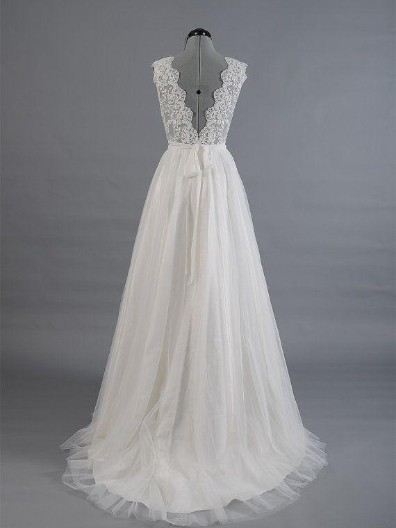 Robe de mariée dentelles, robe de mariée, robe de mariée, dentelle alencon sleevelss dos en V avec jupe en tulle. Cette robe est en vente dès
