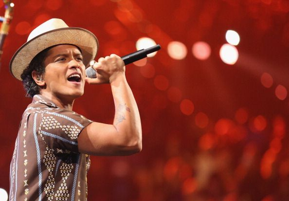 Bruno Mars is a singer and performer with an estimated net worth of $70 million. Born October 8, 1985 in Honolulu, Hawaii to parents Peter Hernandez and Be