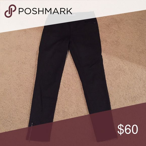 Whistles Black Jeans with zipper detail, Size 29 Gently worn black jeans by Whistles! Cute zipper detail at ankle. Some signs of gentle wear (whistles label peeling). Size 29. Whistles Jeans Straight Leg