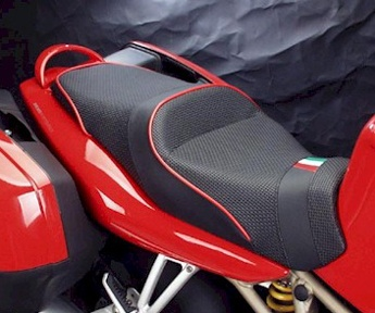 World Sport Seat on the Ducati ST4.