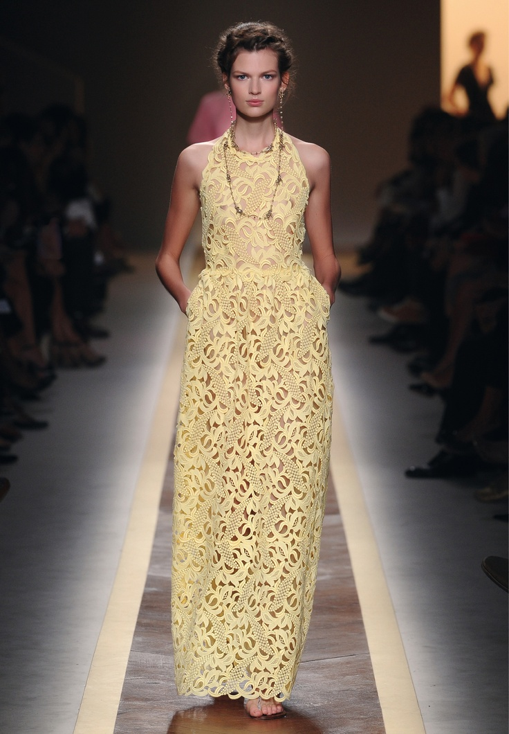 119 best Valentino images on Pinterest | Valentino couture ...