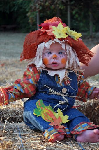 Last-Minute Baby Scarecrow Costume... This website is the Pinterest of costumes