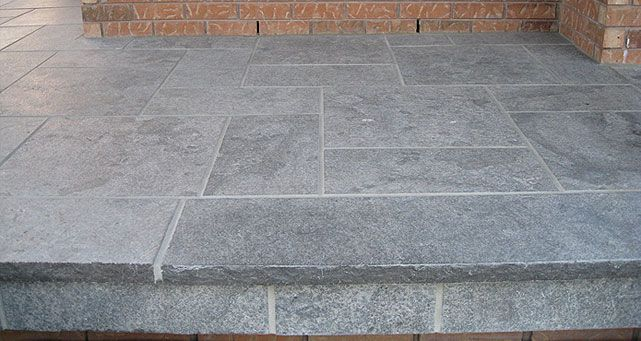 Hampton Limestone Flagstone Simulates The Look And