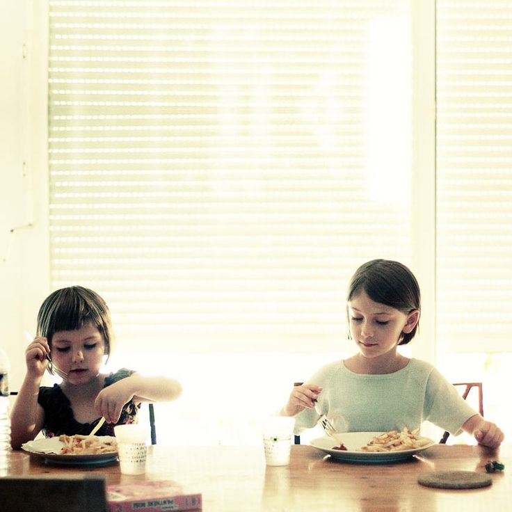 <p>-*+Ottenere pasti vegani nelle mense scolastiche – Un manuale pratico èun opuscolo che spiega come chiedere un menu vegan in qualsiasi scuola, pubblica o privata (asilo nido, scuola materna, e scuola elementare). Contienelettere-tipo da usare per la richiesta, la prassi da seguire, e esempi dimenu veganiofferti in alcune scuole d'Italia, …</p>