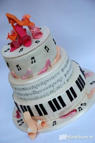 If music and dance weren't already married... the cake.