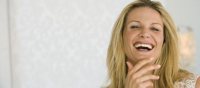 Les kystes de l'ovaire touchent 5 % des femmes, souvent en âge de procréer, mais ils peuvent aussi apparaître à la ménopause. D'où viennent-ils ? Faut-il les opérer ? Font-ils courir un risque pour la fertilité ? Voici les réponses actuelles. Lorsqu'on vous annonce que vous avez un kyste à l'ovaire , la première question …