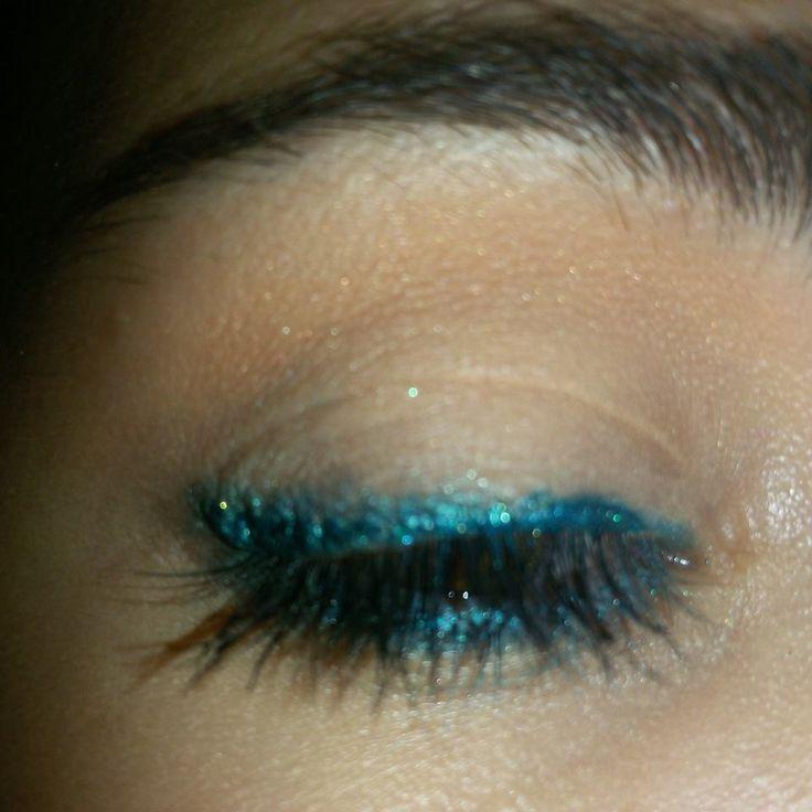 Eyeliner turchese e verde