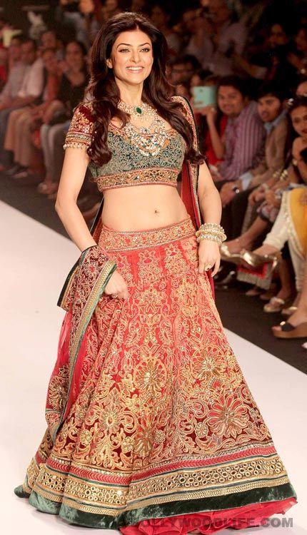 #SushmitaSen , Alia Bhatt and Aditi Rao Hydari spotted at IIJW 2013 - Bollywoodlife