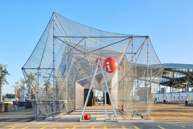 Un andamio como punto de informaci n arquitectura - Despacho arquitectura barcelona ...