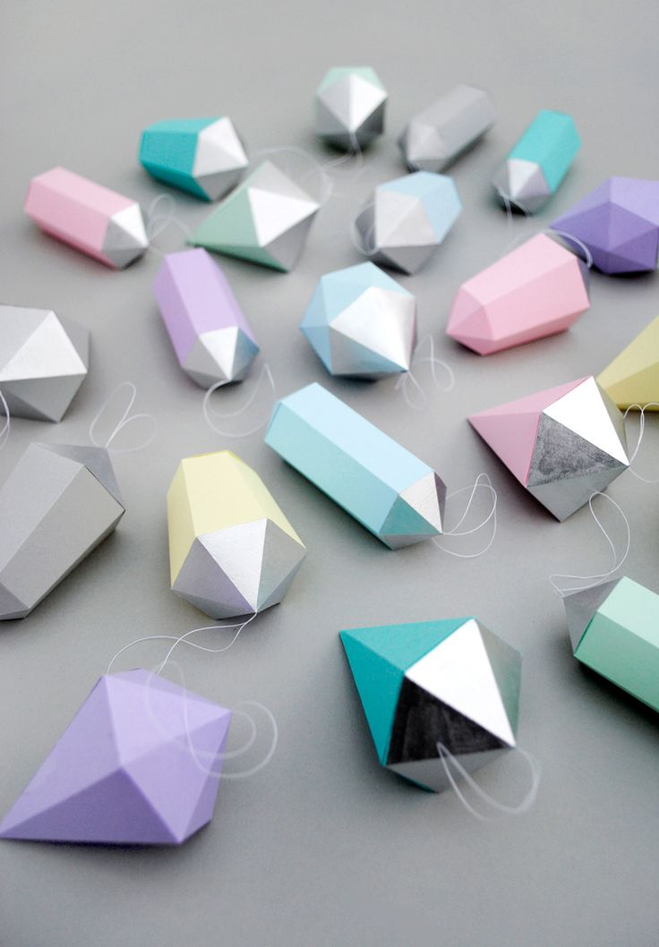 6aa91b1f9105d17fafa2f8f39540dcf6  paper diamond christmas print