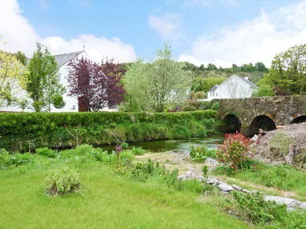 The Dispensary Pet-Friendly Cottage, The Dispensar, Killeagh, Co. Cork - 1 bed short term house at from €150 per week from Five Star. Click here for more property details.