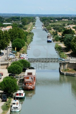 Canal De La Camargue (France) Banque D'Images, Photos, Illustrations ...