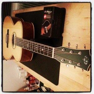 En ce moment à l'atelier : Guitare Larson Bros OM 1F. Pose et réglage d'un système L.R.Baggs M80. Checkup réglage et pose d'une attache courroie sur talon. Une sonorité typé blues sublime !