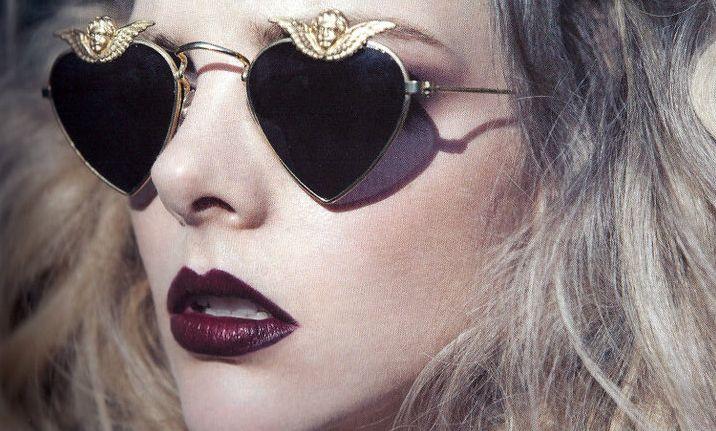 Tutorial: De perfecte donkere lippen voor een stijlvolle kerstlook