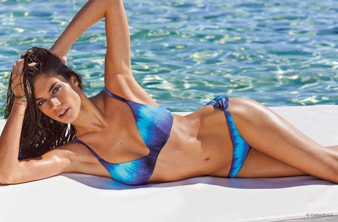 sara-sampaio-calzedonia-bikinis-2015-01.jpg