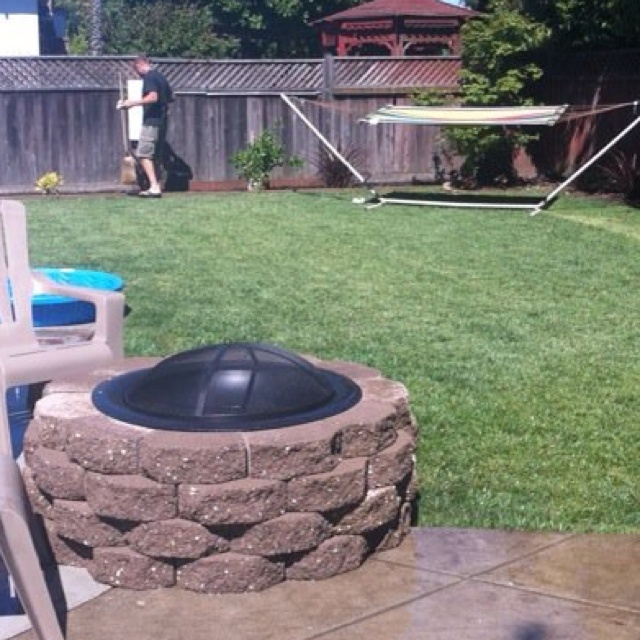 Retaining wall fire pit | Outdoor/Gardening | Pinterest