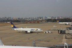 久しぶりに福岡空港に撮影に行ってきました 福岡空港は滑走路が1本の空港の中では日本一過密な空港と言われていますがその分沢山の飛行機が集まるスポット() カメラ好き航空機ファンには堪らない場所です 写真はスカイマークボーイング737-800型機です 主翼のハートマークが何とも可愛い( tags[福岡県]