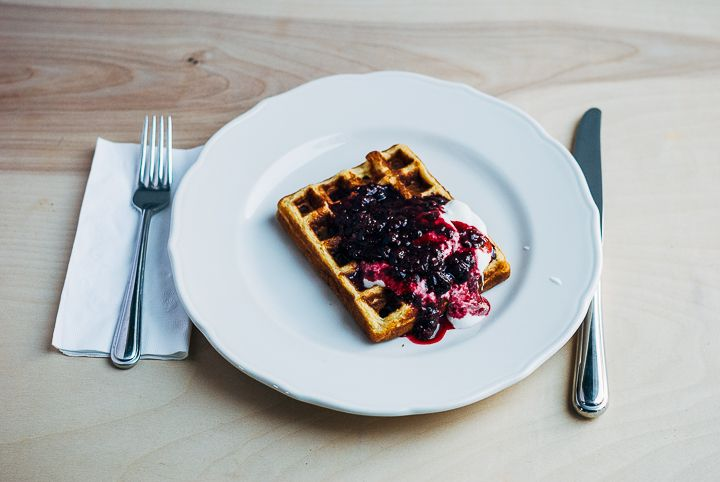 honey cornmeal waffles with blackberry syrup // brooklyn supper