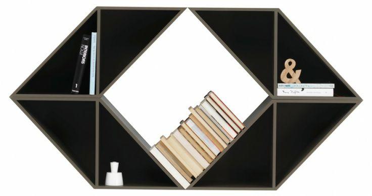 Volani - półka na książki i dekoracje, można składać kolejne elementy i nadawać całości różne formy, popielaty lakier; 77,5x150x29 cm. Cena: ok. 3.795 zł, BoConcept.