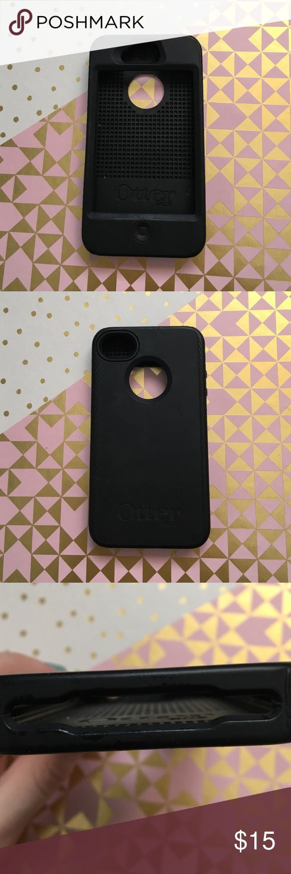 IPHONE 4/4s OTTERBOX PROTECTIVE CASE Fit for iphone 4/4s. It is not new and has been used, but there are little to no scratches, scuffs, or usage and looks new. It has a rubber material and is very protective. OtterBox Accessories Phone Cases