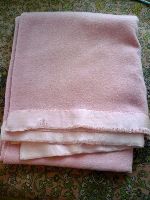 Wool Blanket 66 X 84 Twin Size Blanket Very Good Vintage