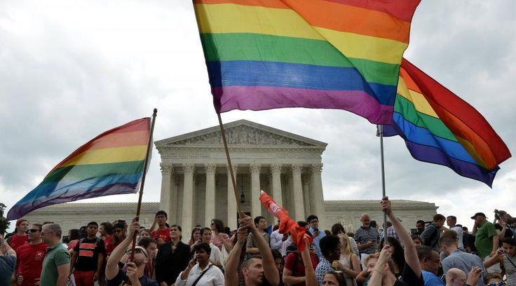 Kim Davis, une greffière du Kentucky (Etats-Unis) refusait de reconnaître la loi autorisant le mariage gay. Elle a été condamnée à une peine de prison jeudi.