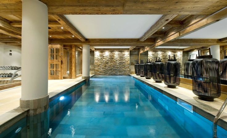 The petit chateau 1850 courchevel france cool pools for Pool design france