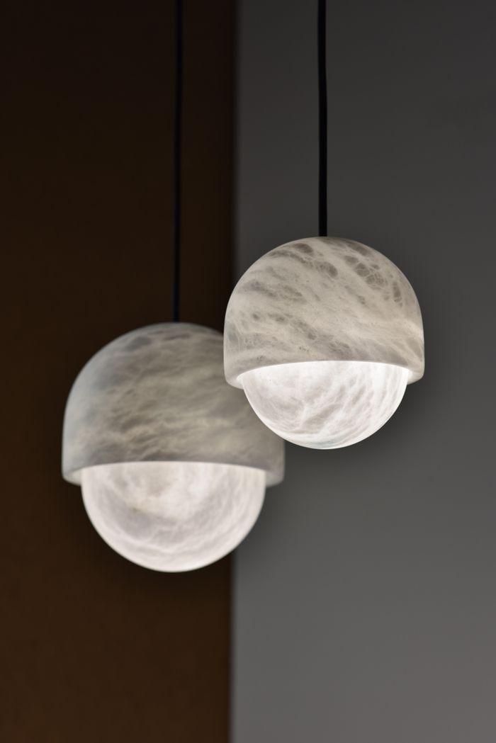 """design français : Alain Ellouz, 2017, suspension """"Yoko"""", lampe, éclairage, albtre, pierre, sphères, 2010s"""