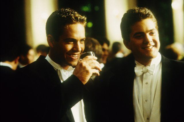 Still of Joshua Jackson and Paul Walker in The Skulls